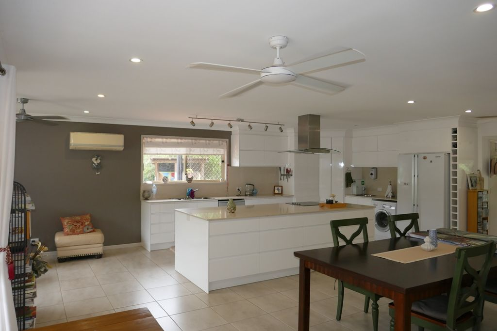 27 Clearview Drive, Glass House Mountains QLD 4518, Image 1