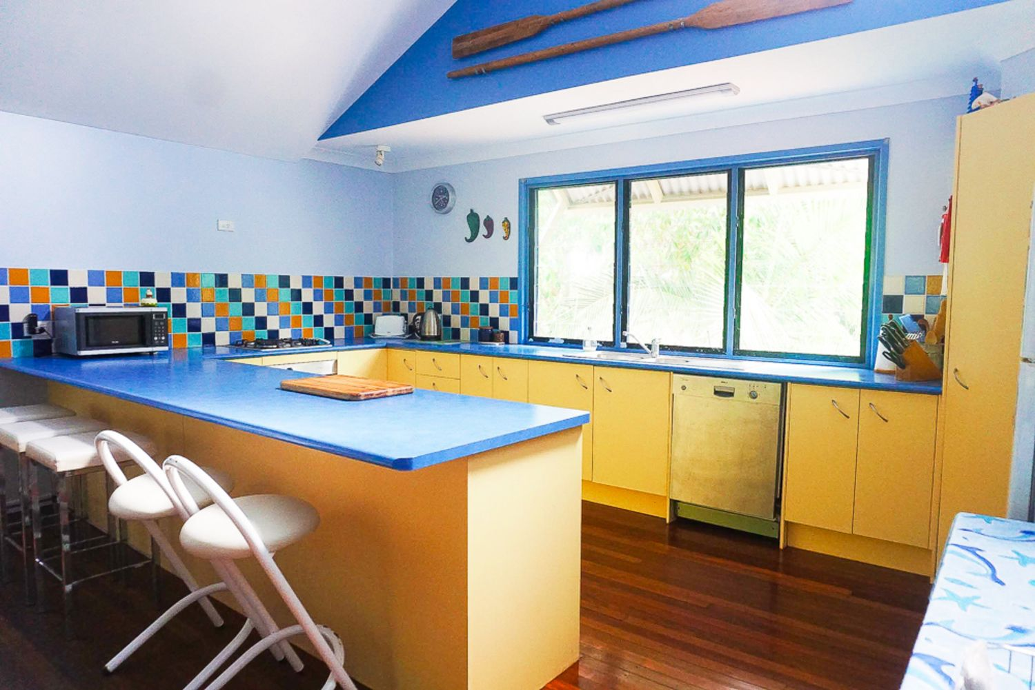 FLIPPER HOUSE, 15 Bigoon Road, Point Lookout QLD 4183, Image 2