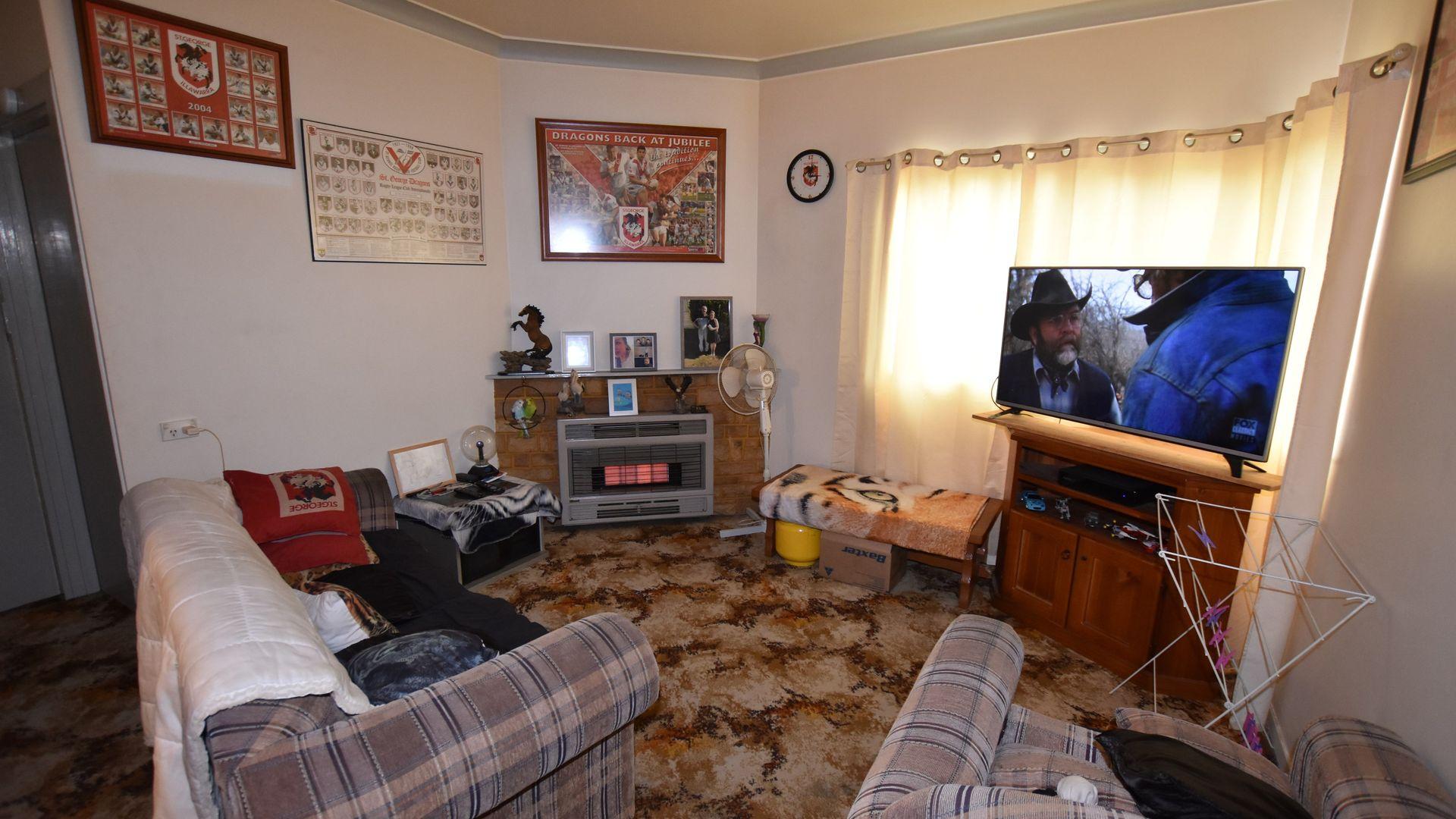 42 Churchill Avenue, Orange NSW 2800, Image 2