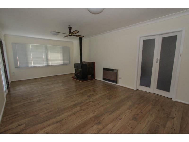 11 Osborne Avenue, Bathurst NSW 2795, Image 1