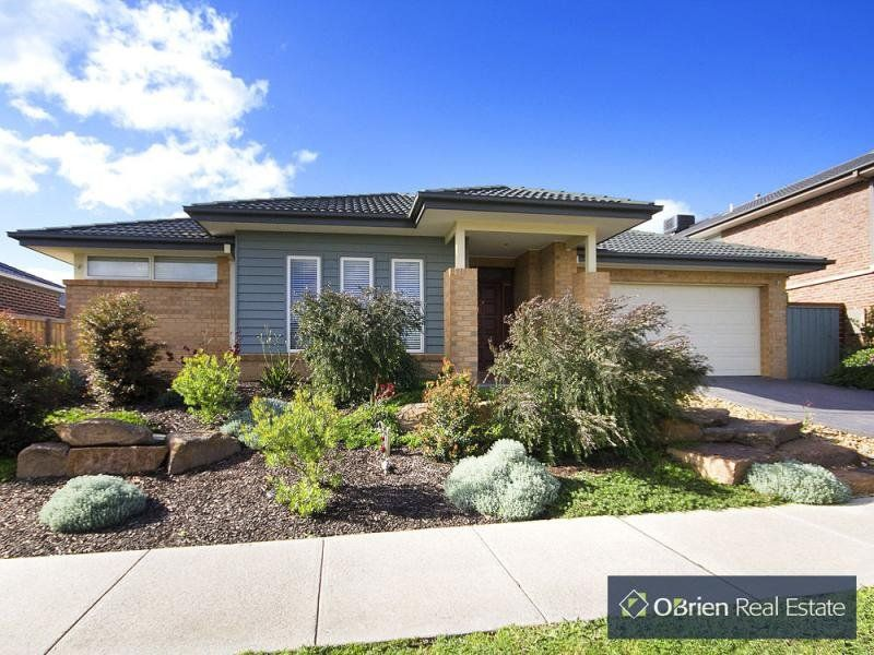 8 Grand Manor Drive, Berwick VIC 3806, Image 0