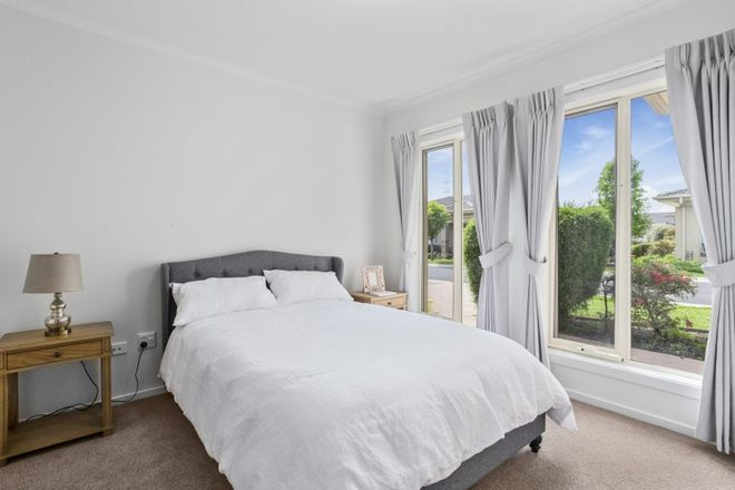 Picture of 325/1a Gowanbrae Drive, GOWANBRAE VIC 3043