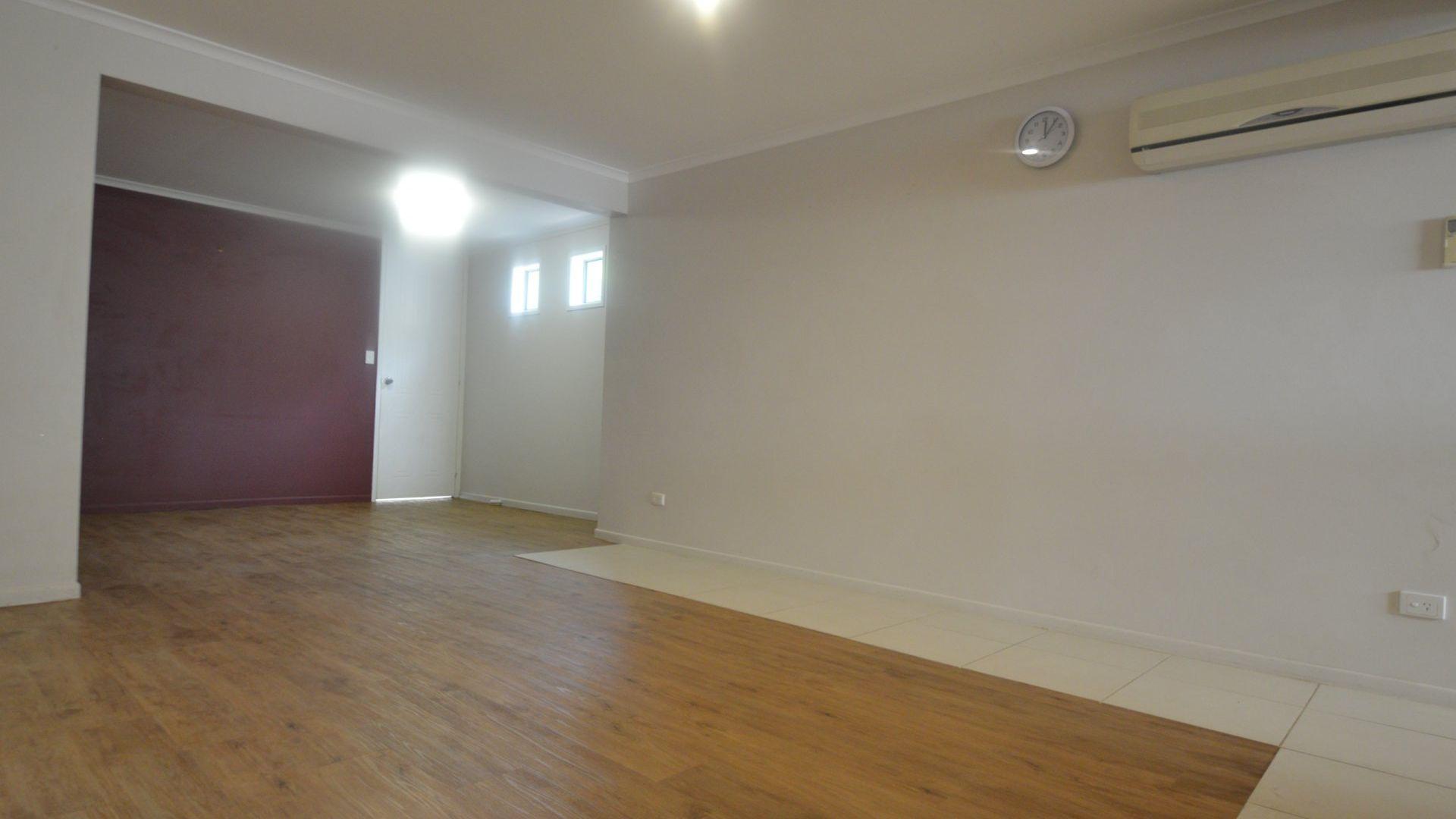 33 Doretta Street, Shailer Park QLD 4128, Image 2