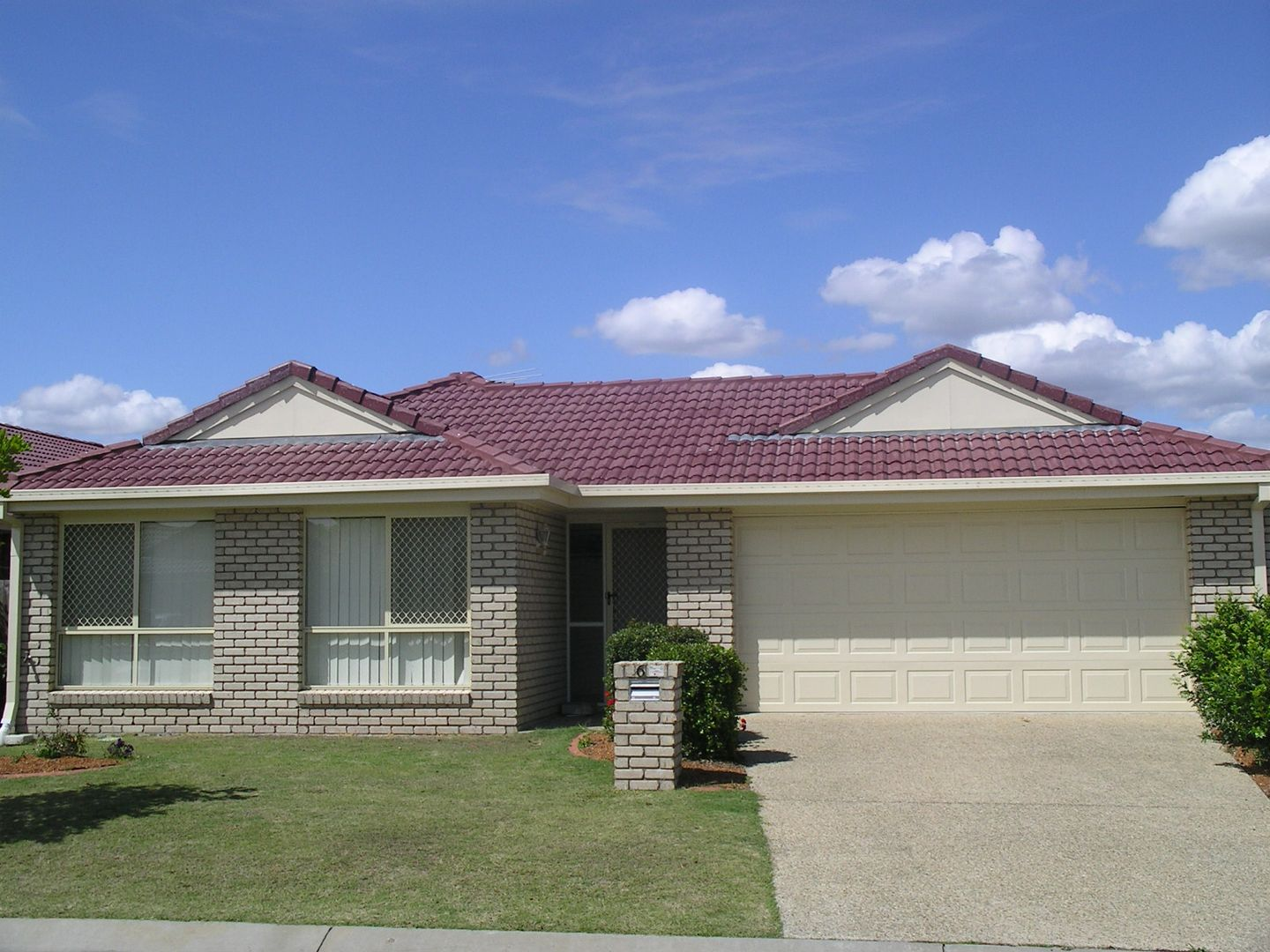 6 Whitfield Crescent, North Lakes QLD 4509, Image 0