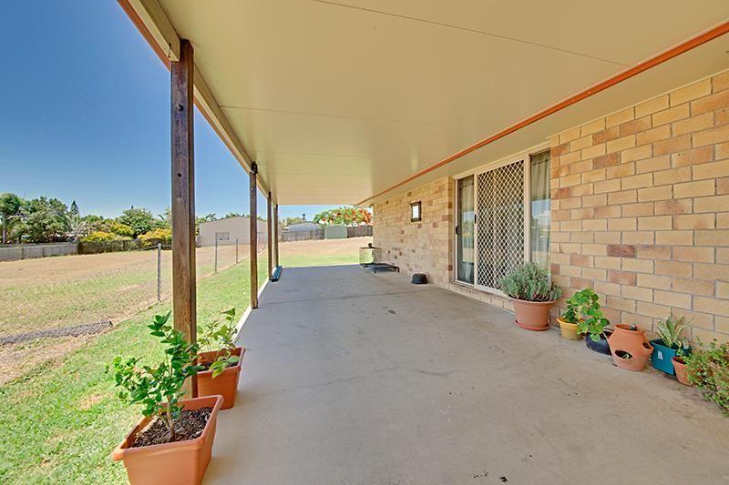 89-91 Hill St, Emu Park QLD 4710, Image 1