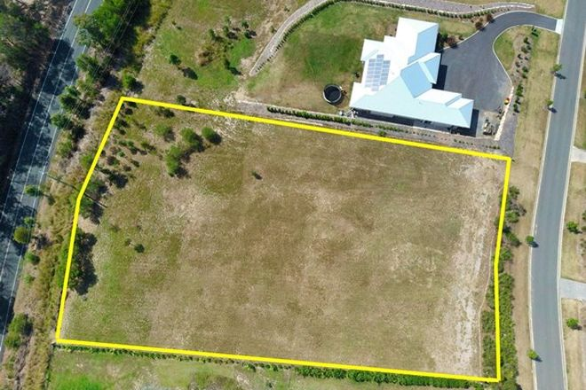 Picture of 112 Whiptail Place, ADVANCETOWN QLD 4211