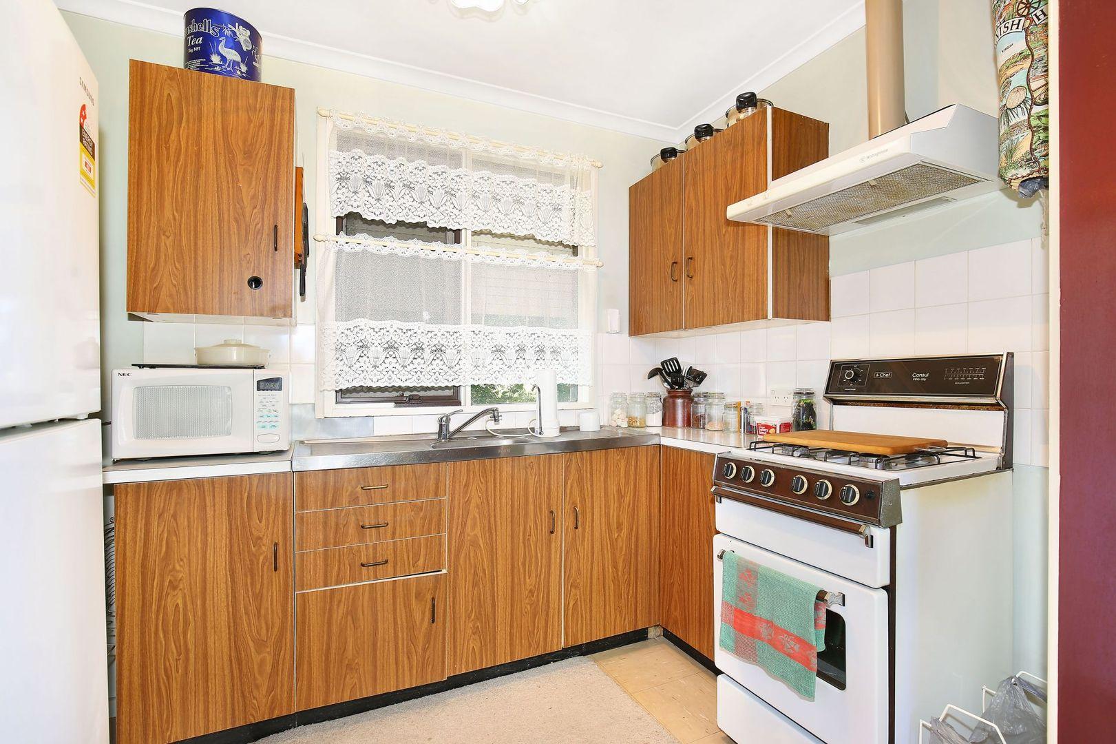 10 McBean Avenue, Armidale NSW 2350, Image 1