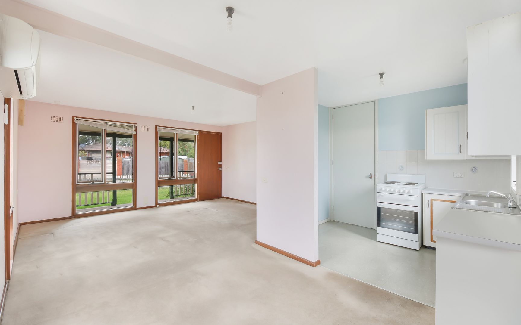 8 Maitland Way, Airds NSW 2560, Image 2