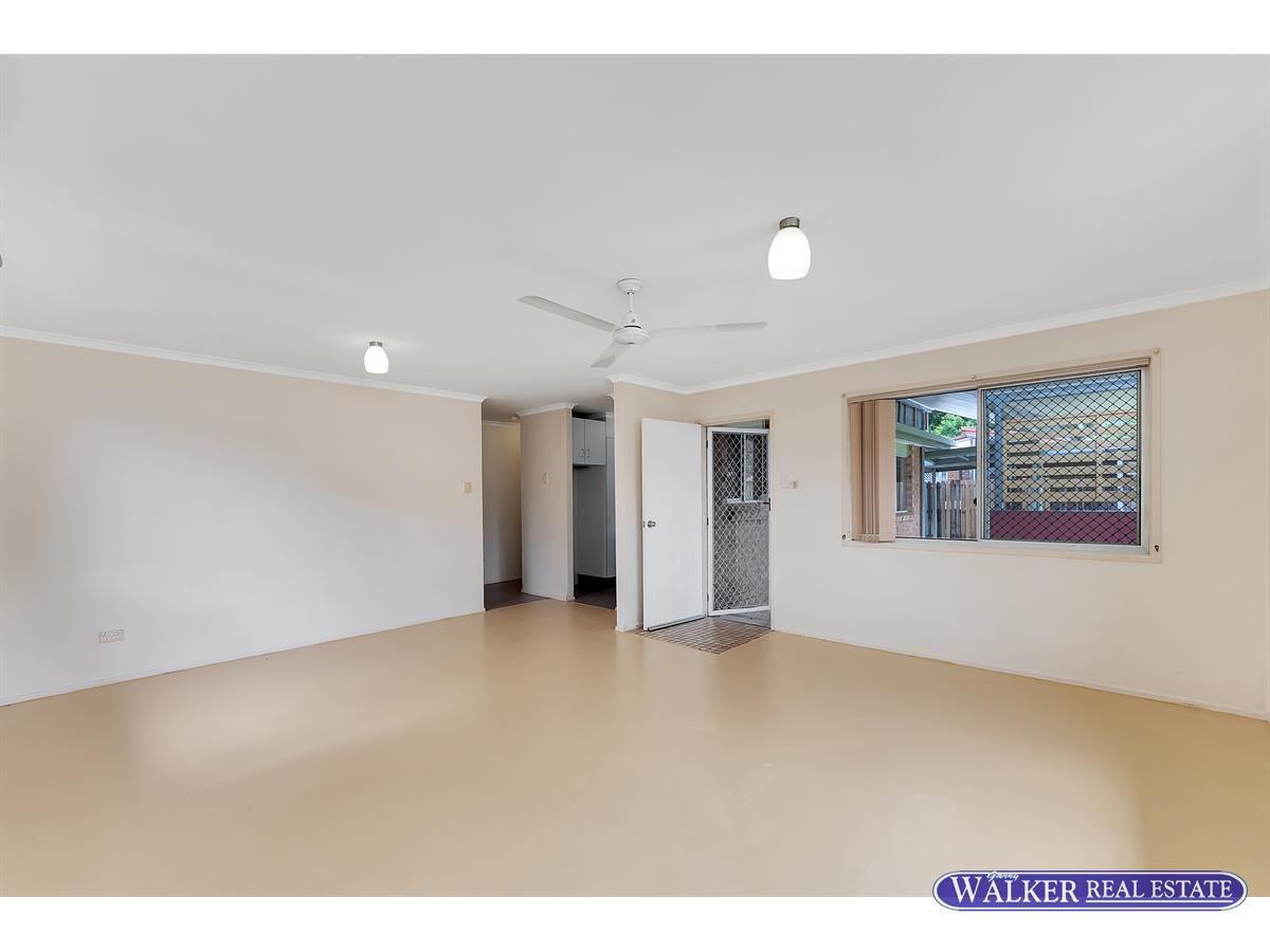 22 McEwen Street, Mooroobool QLD 4870, Image 1