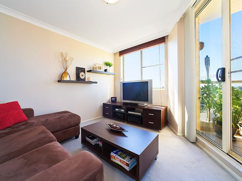 902/10 Wentworth Drive, Liberty Grove NSW 2138, Image 2