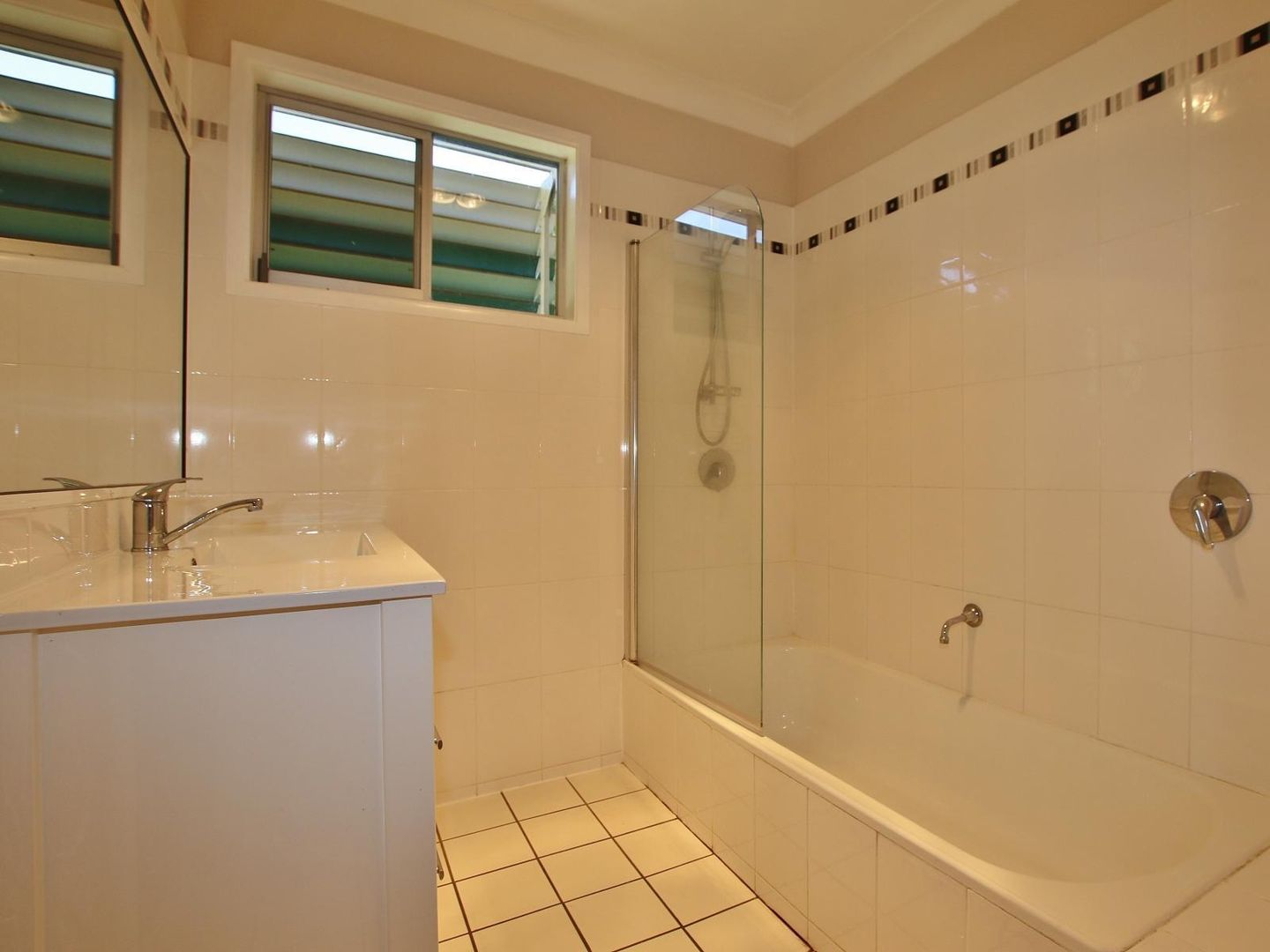 353 Lawrence Avenue, Frenchville QLD 4701, Image 2