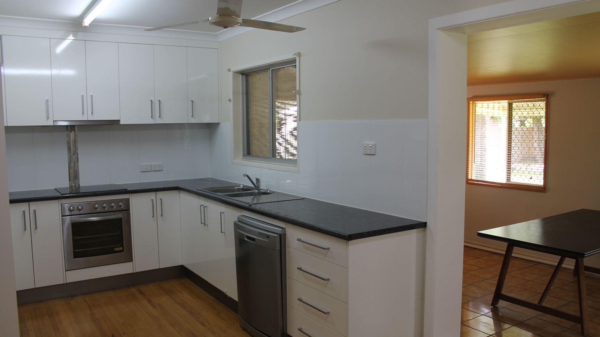 5 Harris Street, Beaconsfield QLD 4740, Image 2