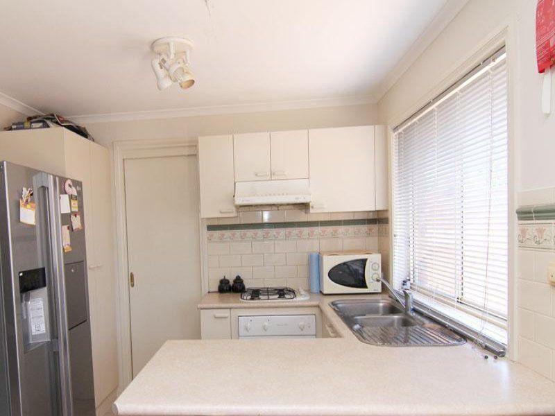 2/19 Martin Place, Glen Waverley VIC 3150, Image 1