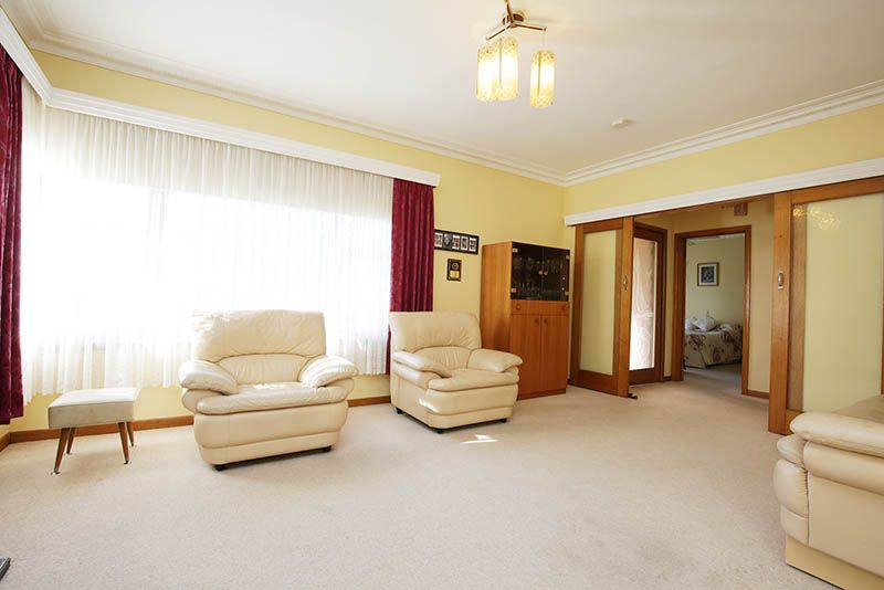 4 Muxworthy Avenue, Herne Hill VIC 3218, Image 2