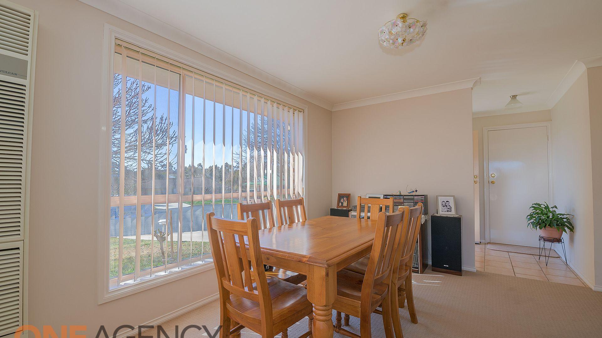 6 Angus Place, Orange NSW 2800, Image 2