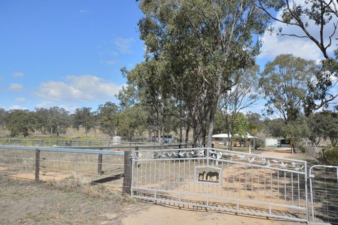 Picture of 64 Halls Road, YANGAN QLD 4371