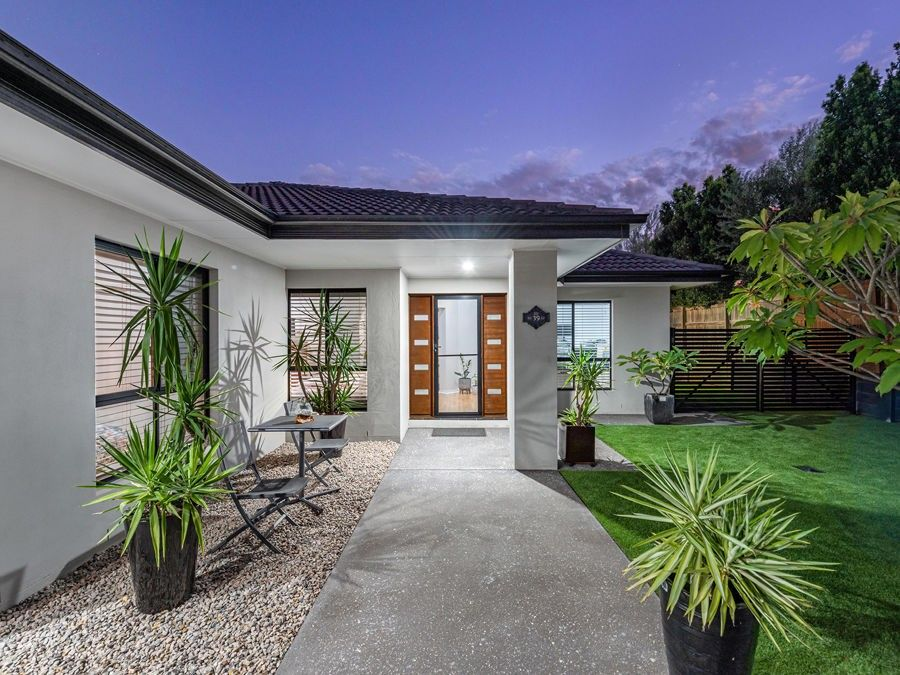 39 Izzies Place, Wakerley QLD 4154, Image 2