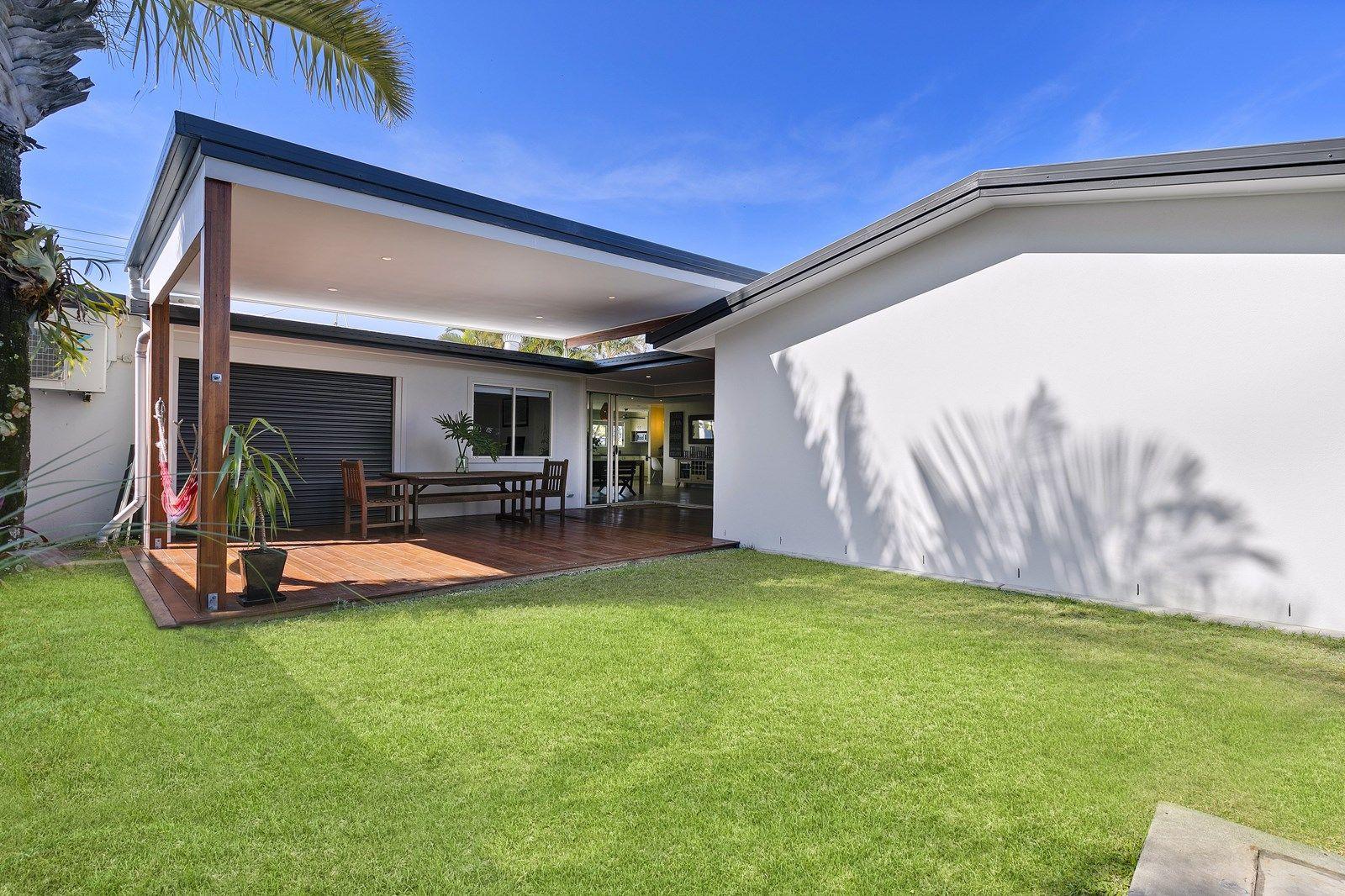 33 Karumba Street, Warana QLD 4575, Image 2