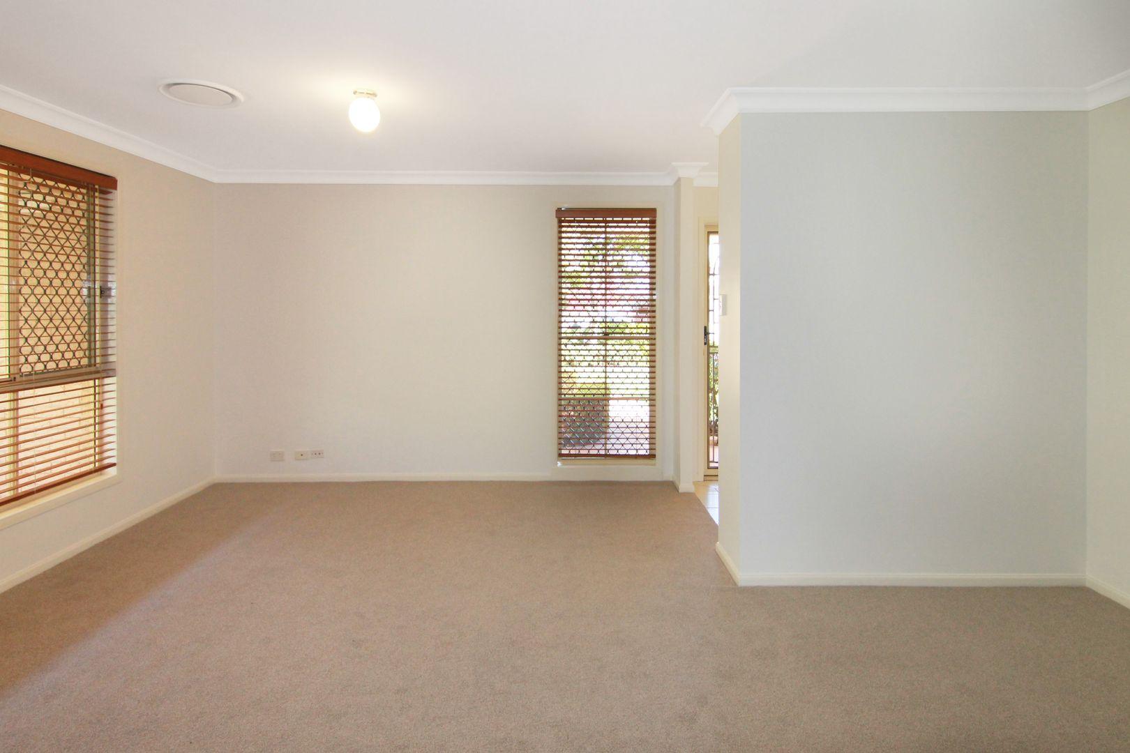 6 Almond Avenue, Fletcher NSW 2287, Image 2