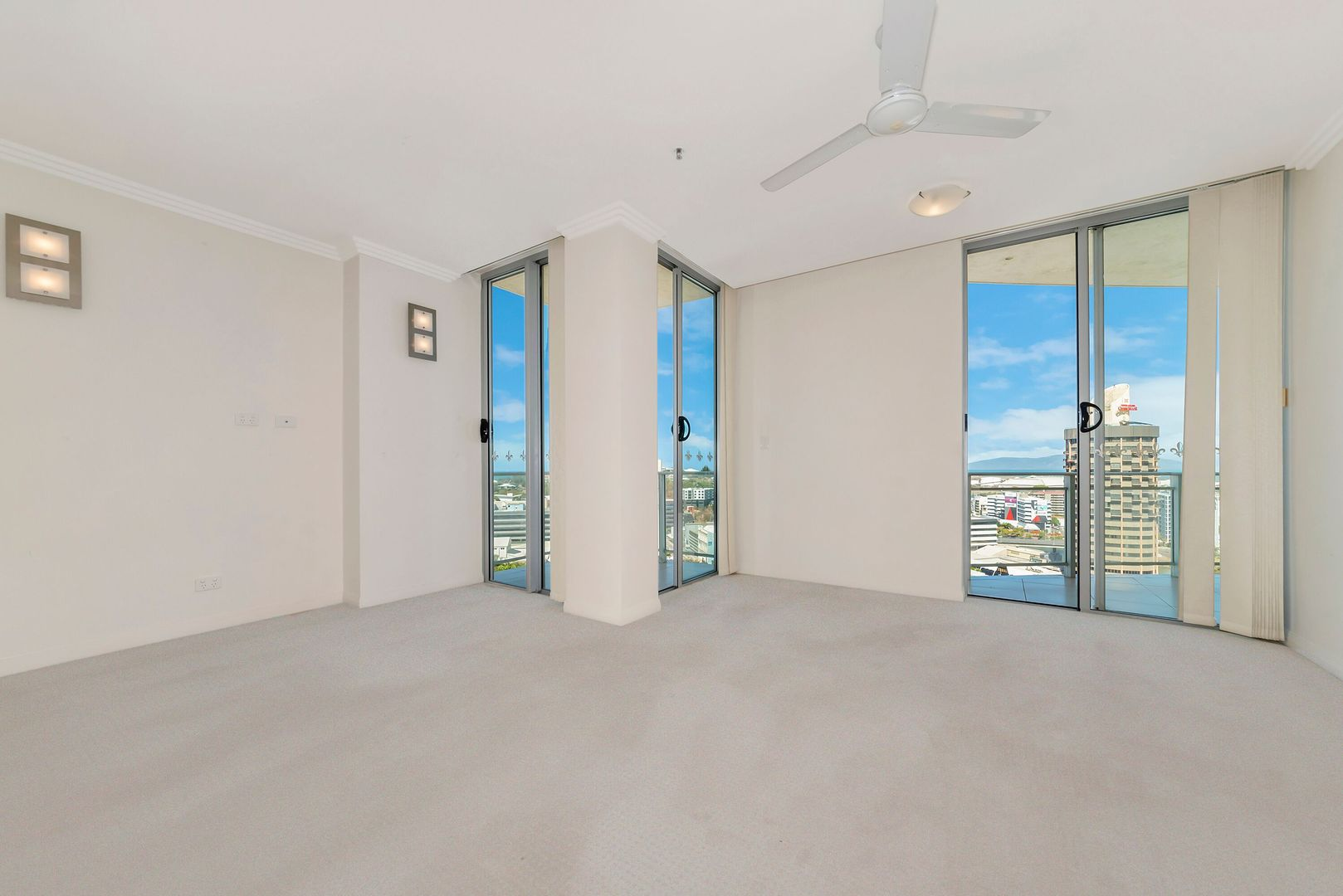 1701/151-173 Sturt Street, Townsville City QLD 4810, Image 2