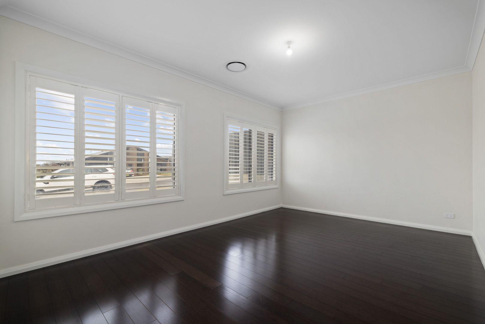 8 Bigwood Place, Goulburn NSW 2580, Image 1