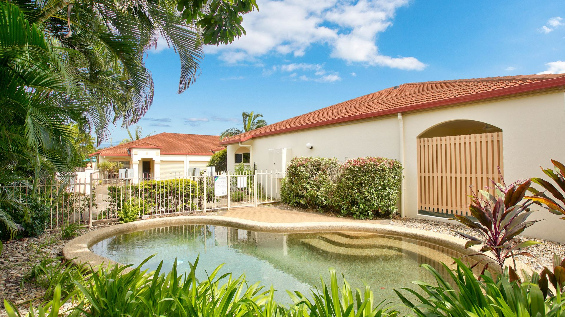 7/5-7 Oyster Court, Trinity Beach QLD 4879, Image 1