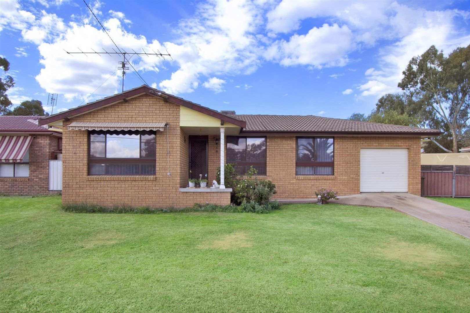 16 Angela Street, Tamworth NSW 2340, Image 0
