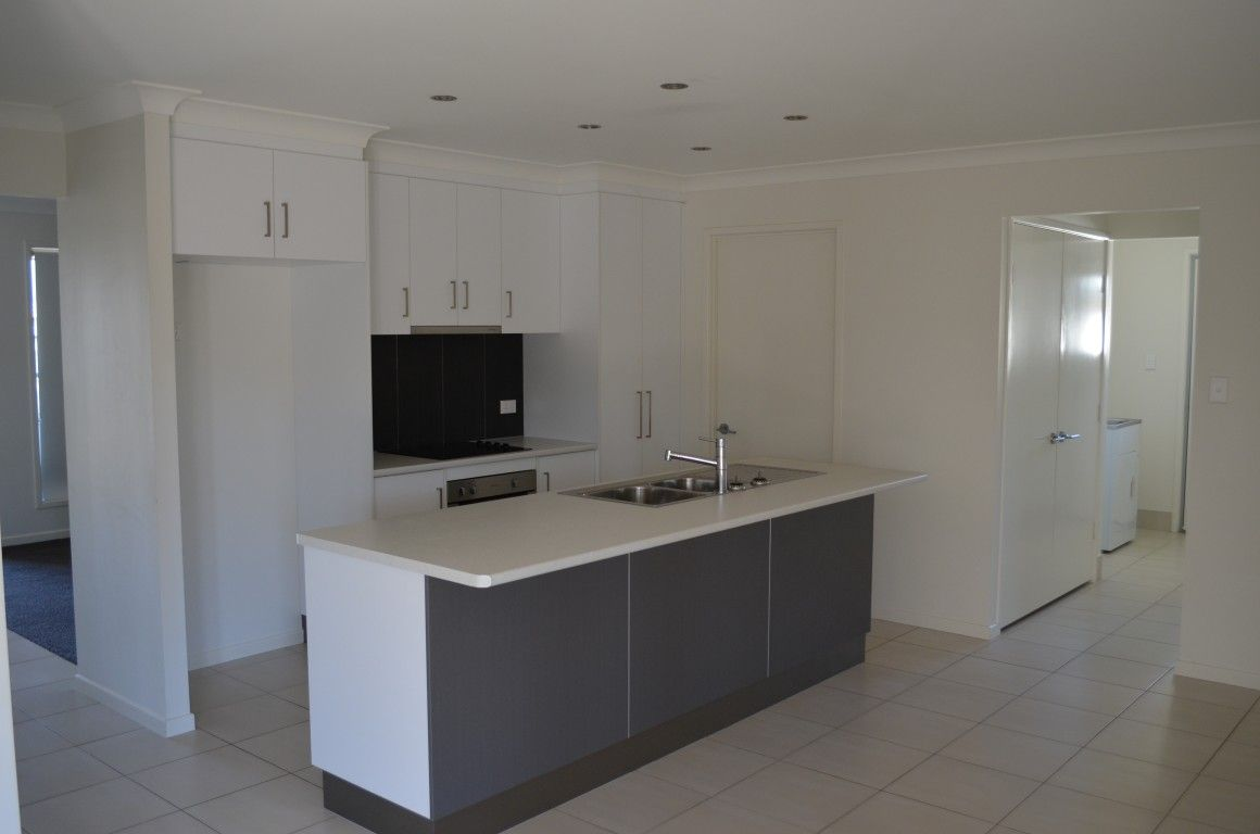 30 Kassidy Drive, Emerald QLD 4720, Image 1