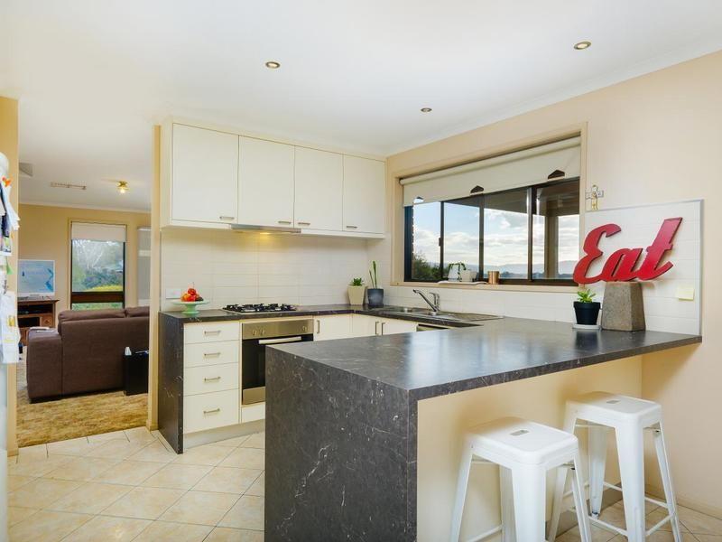 326 Bimbadeen Avenue, Albury NSW 2640, Image 2