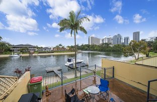 2/23 Hooker Boulevard, Broadbeach Waters QLD 4218