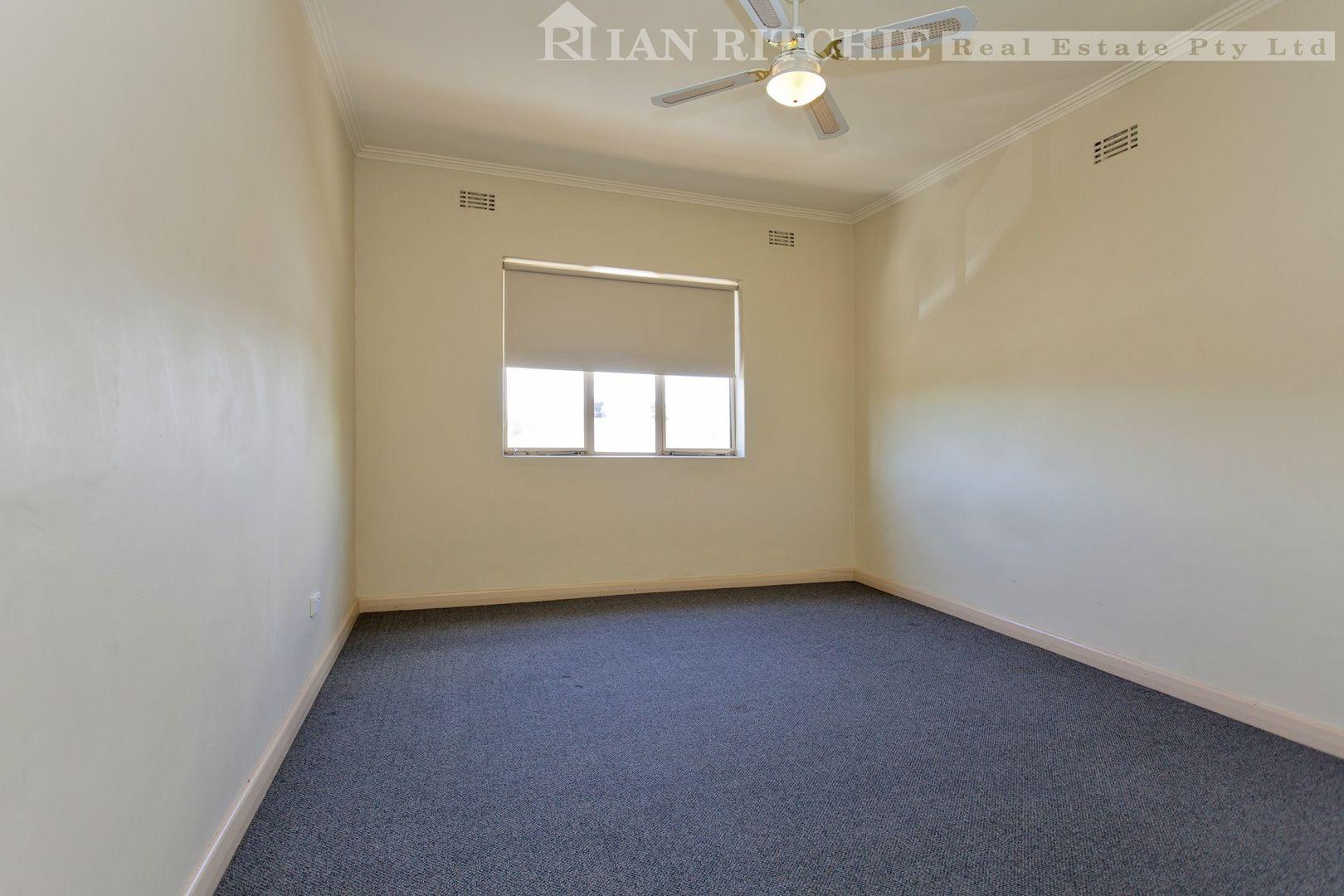 2/919 Mate Street, Lavington NSW 2641, Image 1