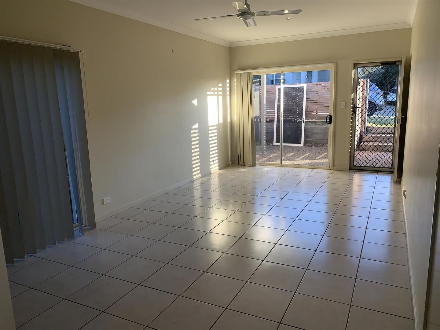 16 Hyde Ave, Springfield Lakes QLD 4300, Image 2