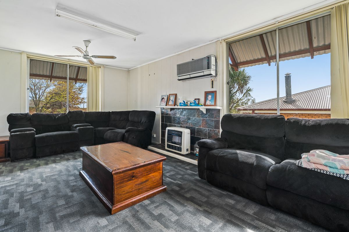 3 Katoa Place, Orange NSW 2800, Image 2