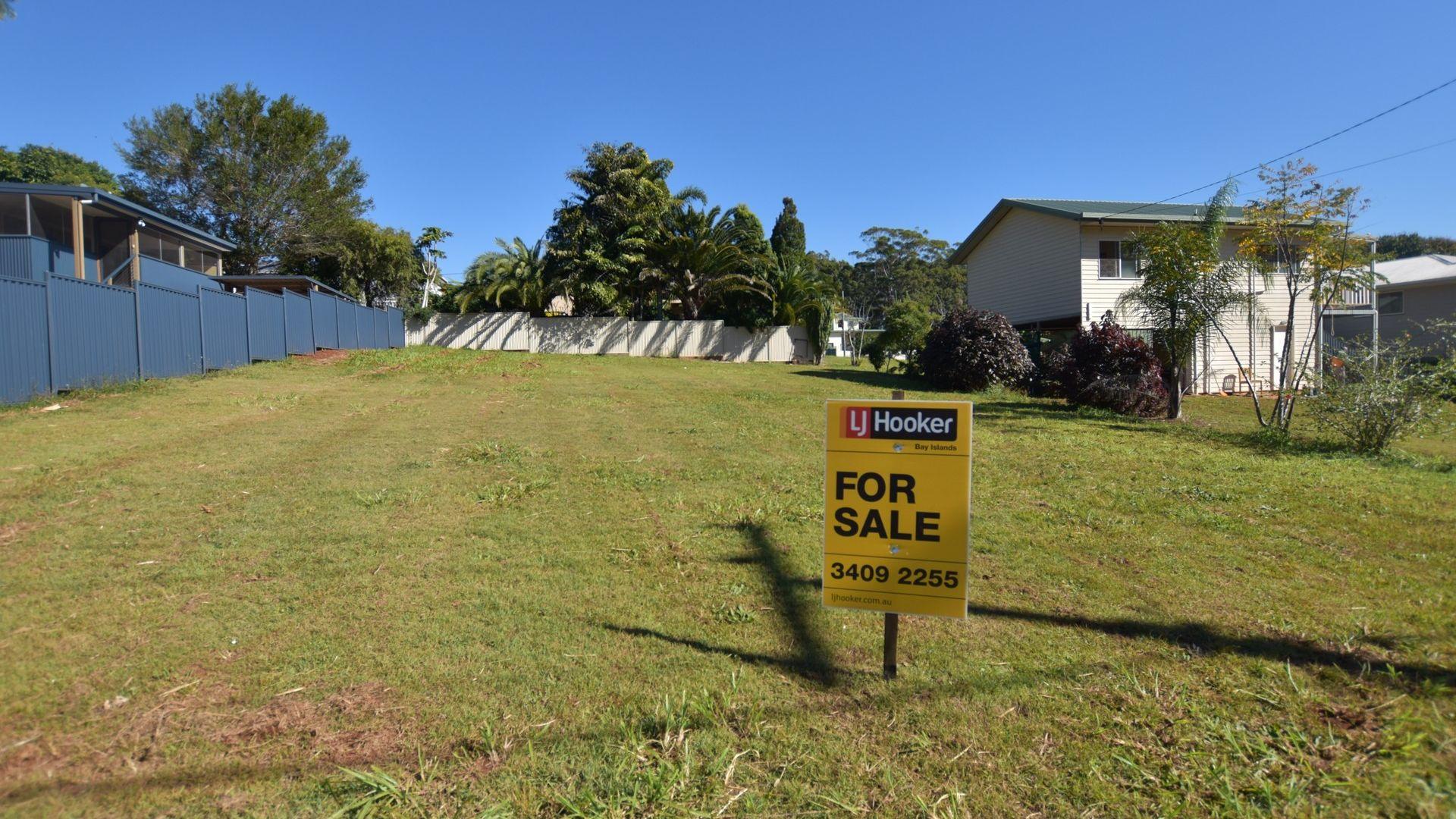 11 Douglas Street, Russell Island QLD 4184, Image 1