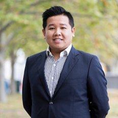 Alvin Liang, Sales Consultant & Negotiator