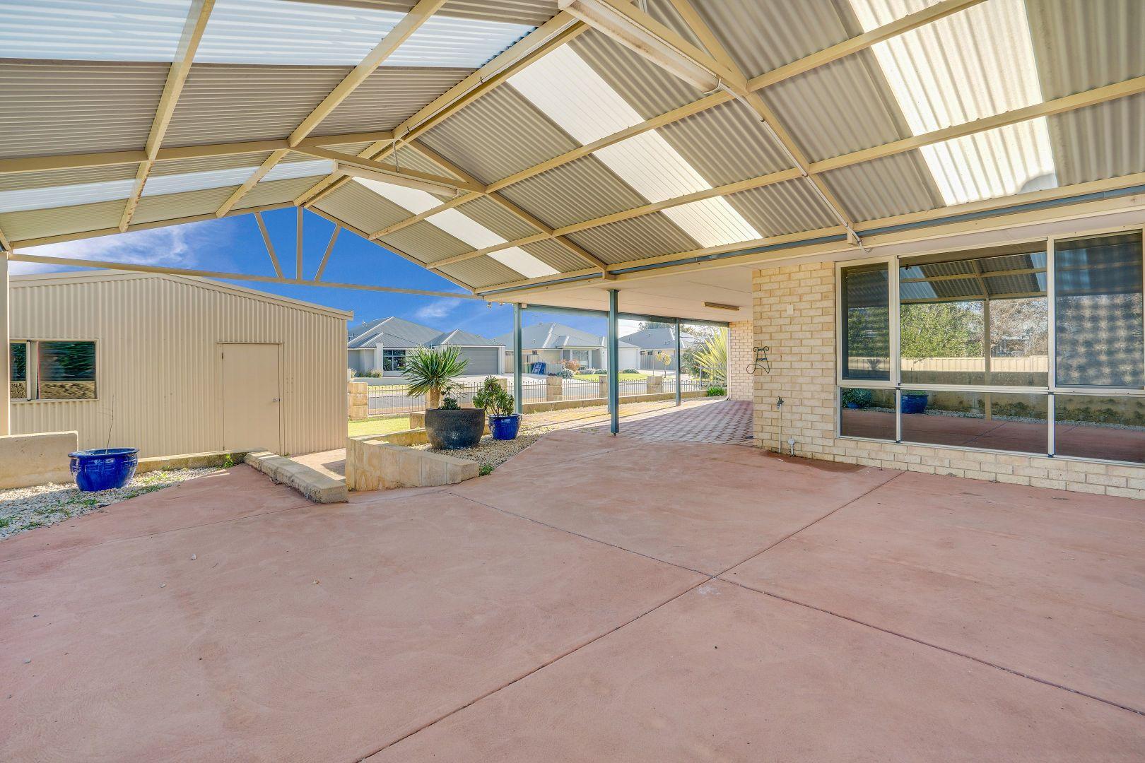 2 Gibson Terrace, Burekup WA 6227, Image 2