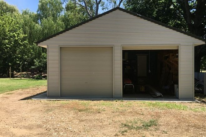 Picture of 1 Back Eildon Road, THORNTON VIC 3712