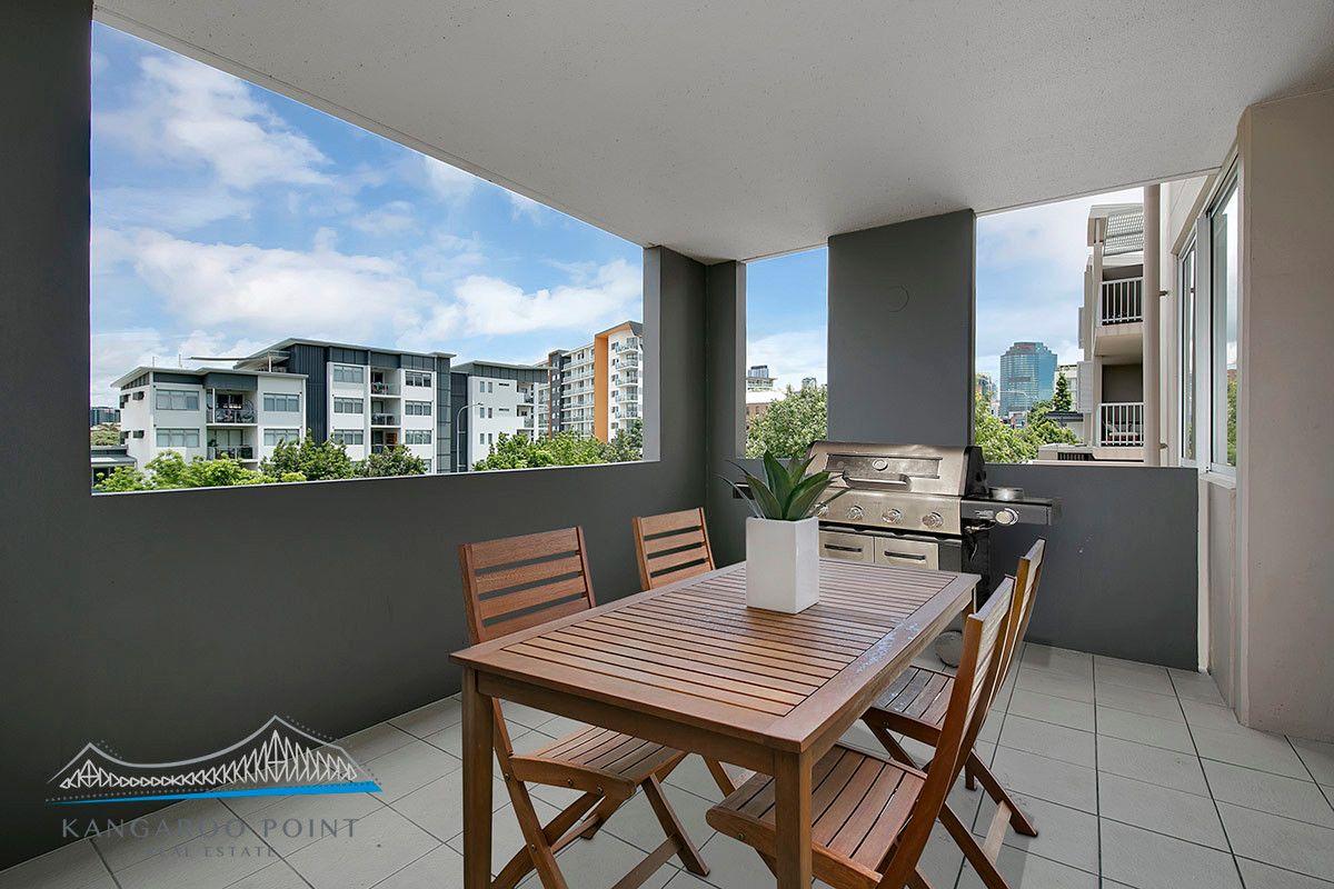 6/153 Lambert Street, Kangaroo Point QLD 4169, Image 0