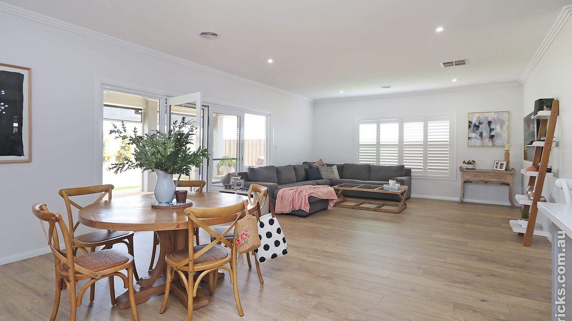 16 Greenway Street, Lloyd NSW 2650, Image 1