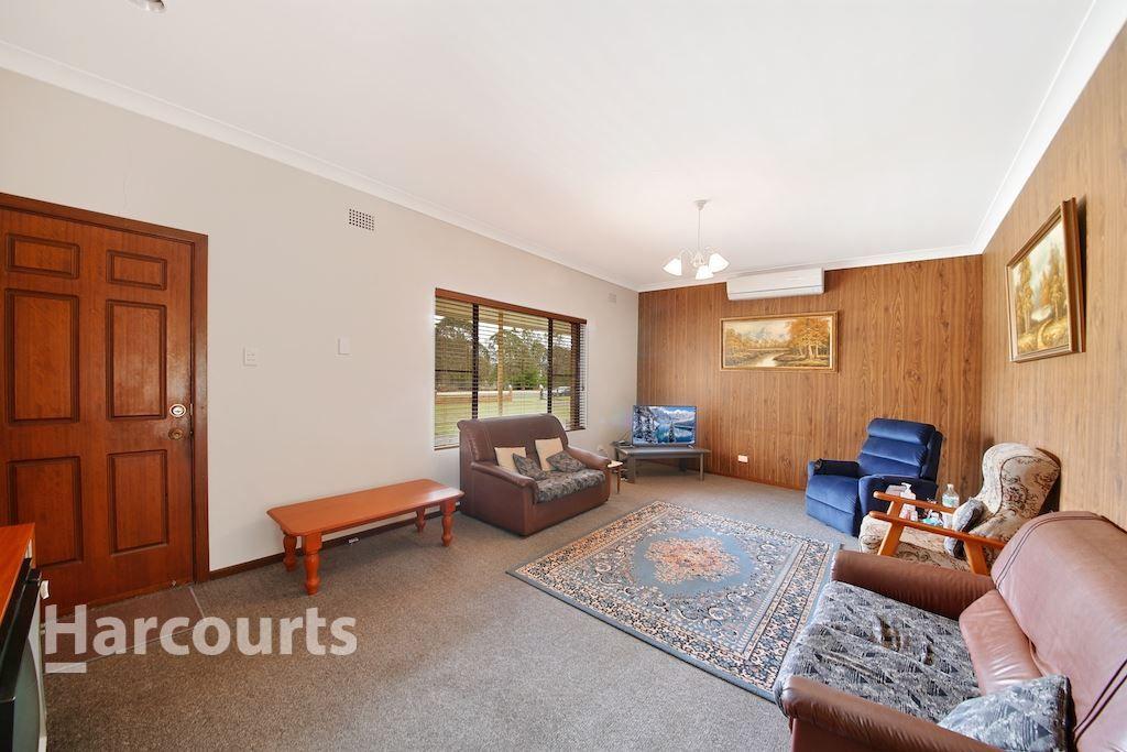 192 Racecourse Avenue, Menangle Park NSW 2563, Image 2