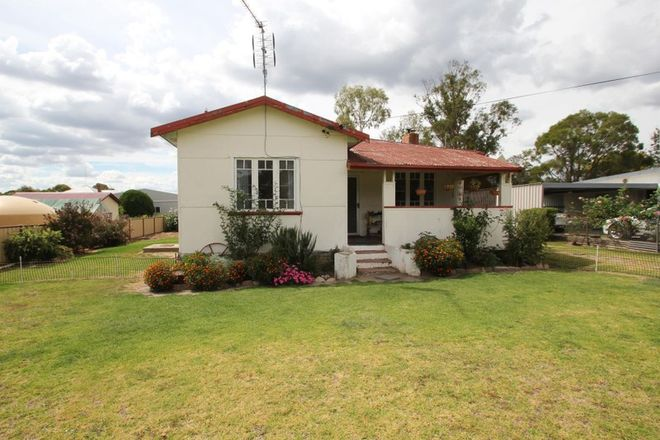 Picture of 32 Border Street, WALLANGARRA QLD 4383