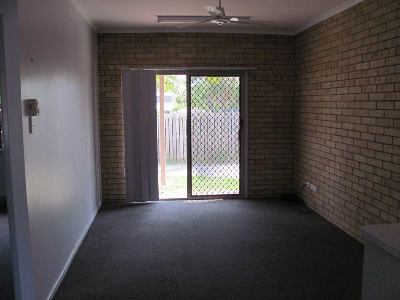 2/10 Kent Street, Bororen QLD 4678, Image 2