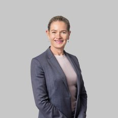 Simone Tindall, Sales representative