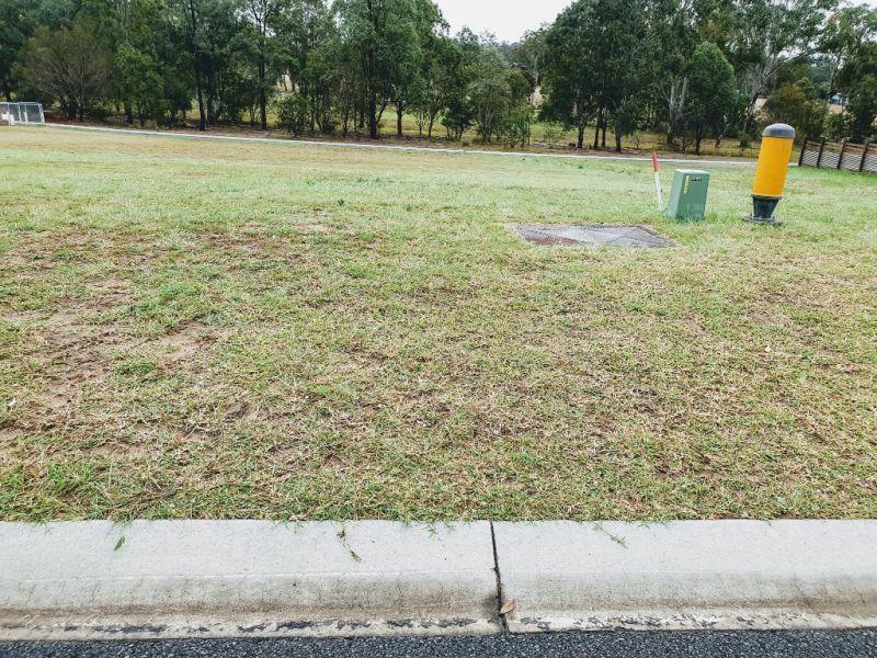 9 Parkland Drive, Crows Nest QLD 4355, Image 2
