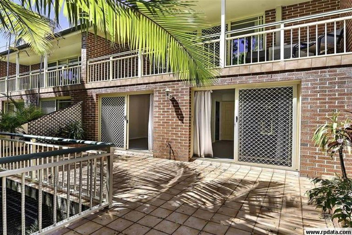 21/51 Pohlman Street, Southport QLD 4215, Image 2