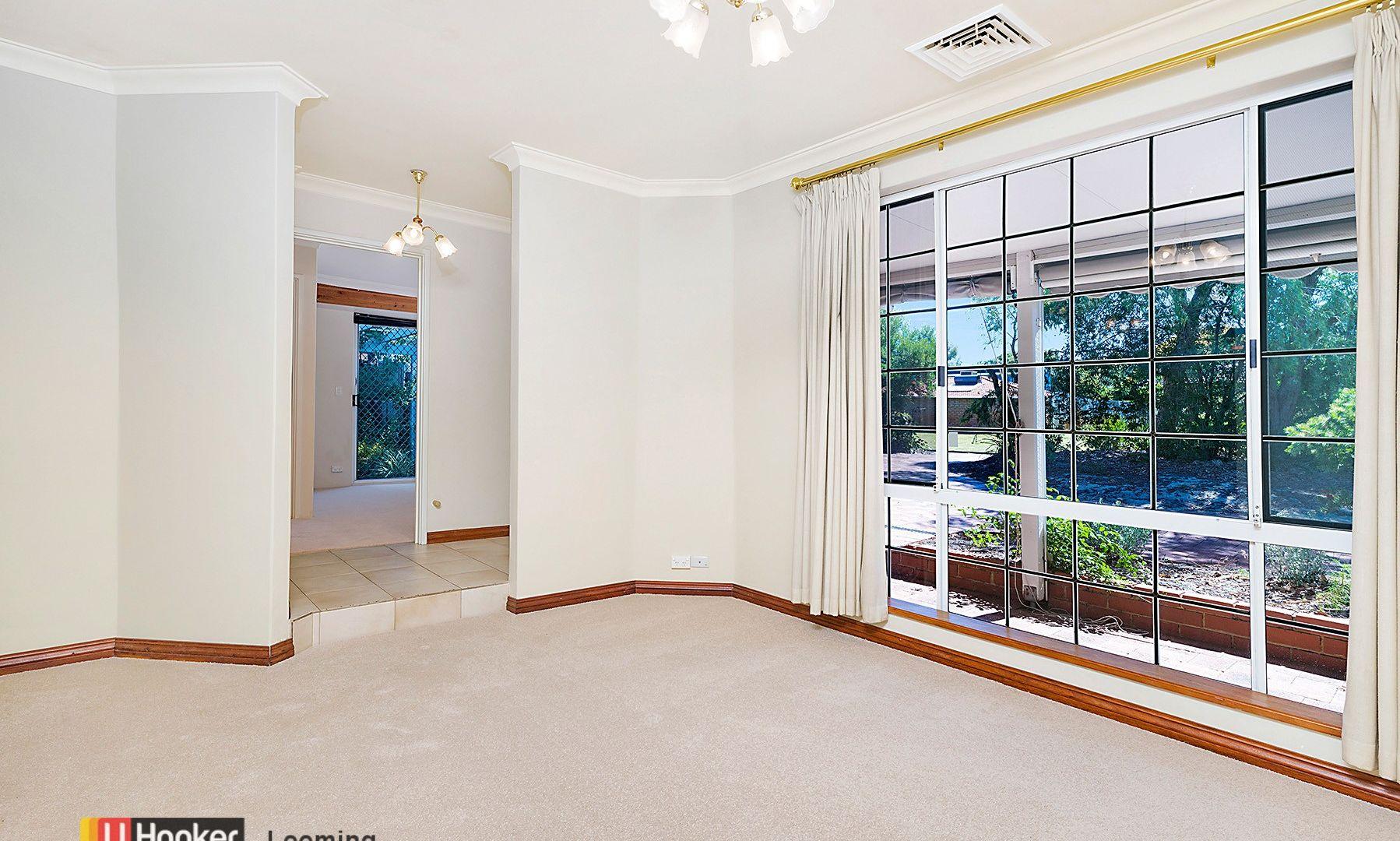 12 Townson Place, Leeming WA 6149, Image 2