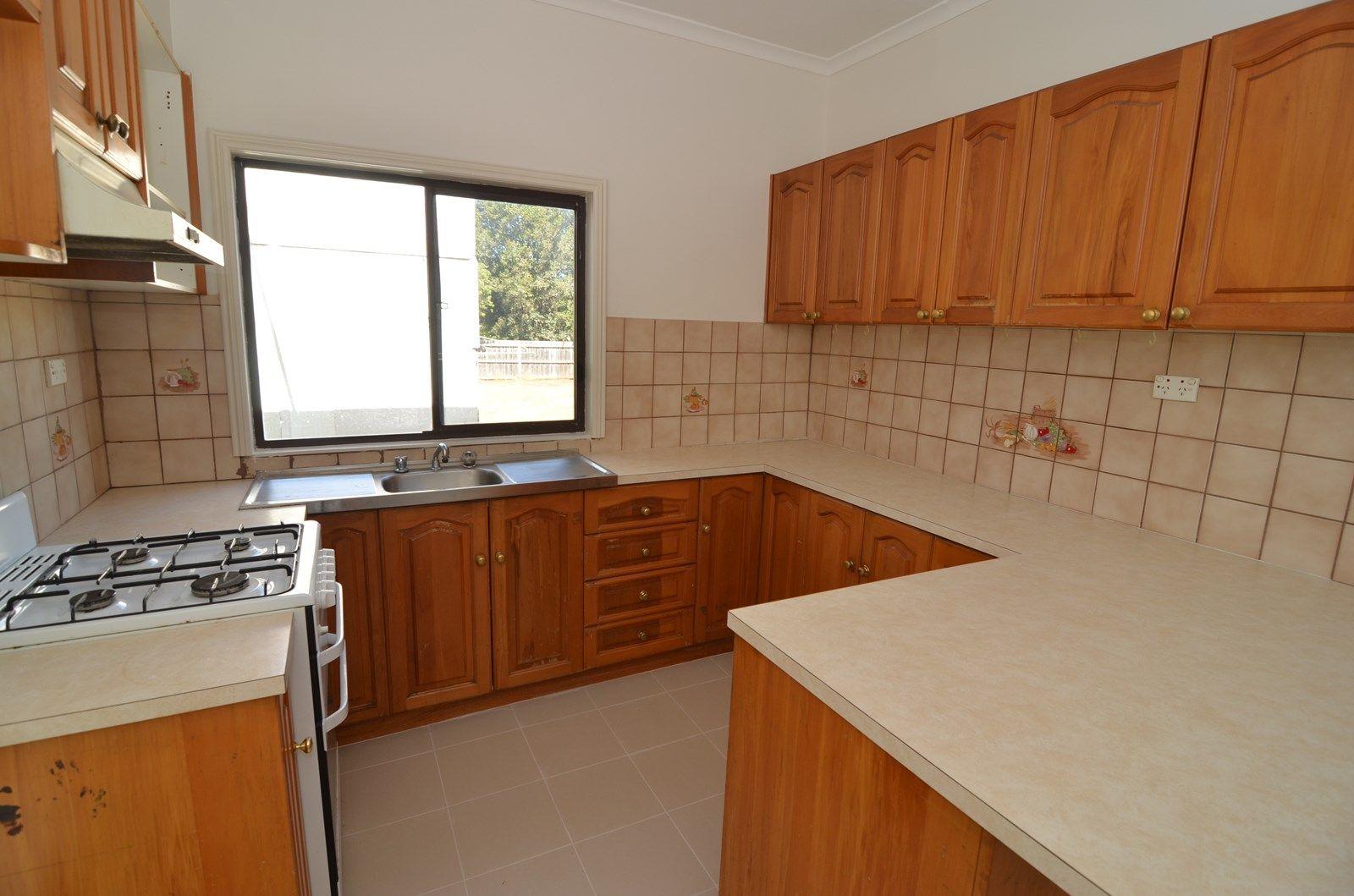 3 Crofton Street, Geelong West VIC 3218, Image 2