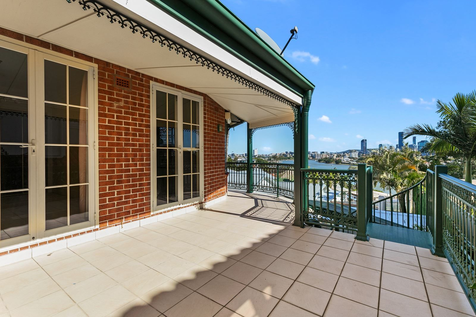 160 Wynnum Road, Norman Park QLD 4170, Image 2
