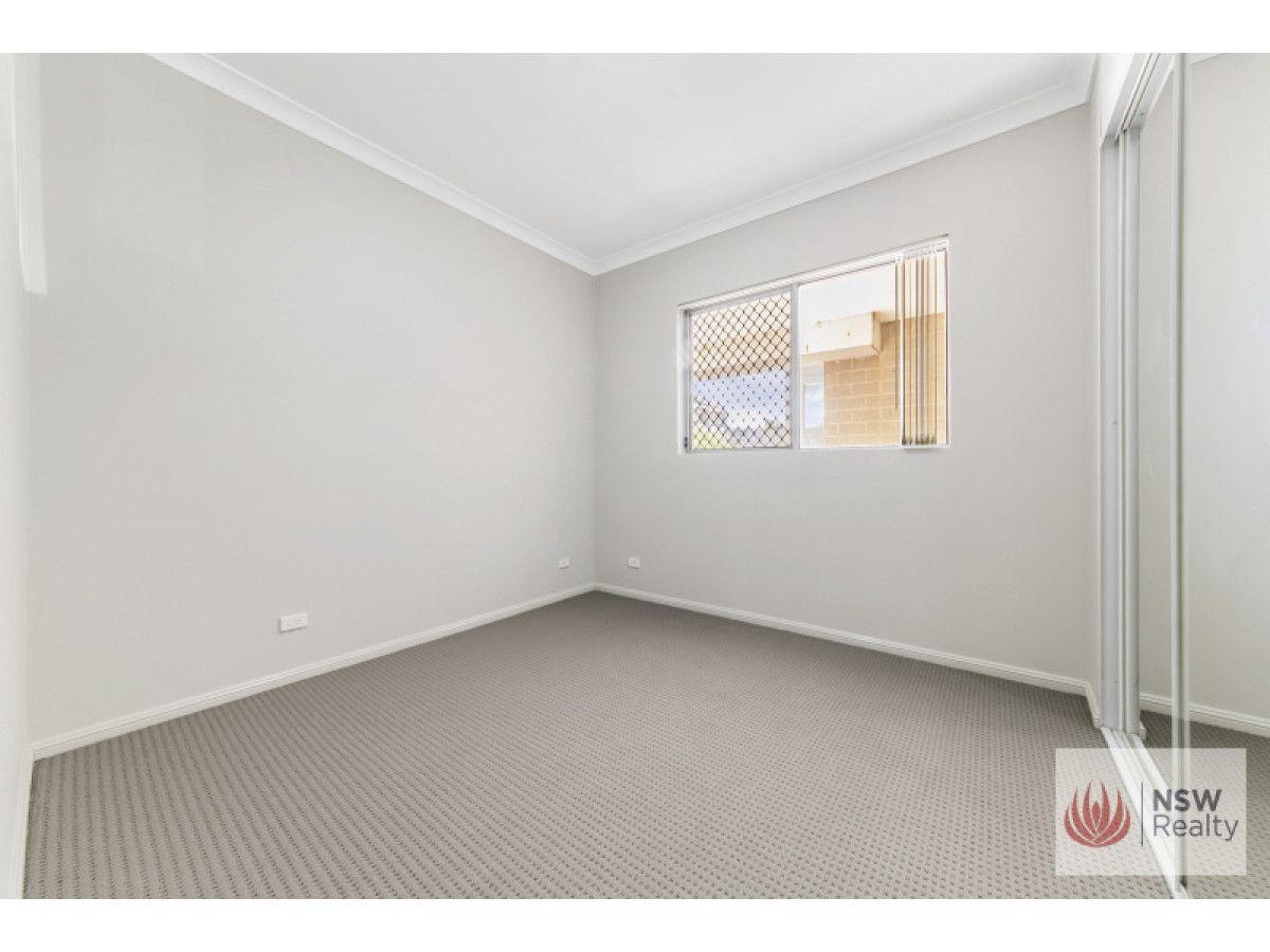 2/1-3 Howard Avenue, Northmead NSW 2152, Image 2
