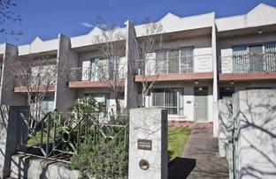 4/9 Ballarat Road, Footscray VIC 3011